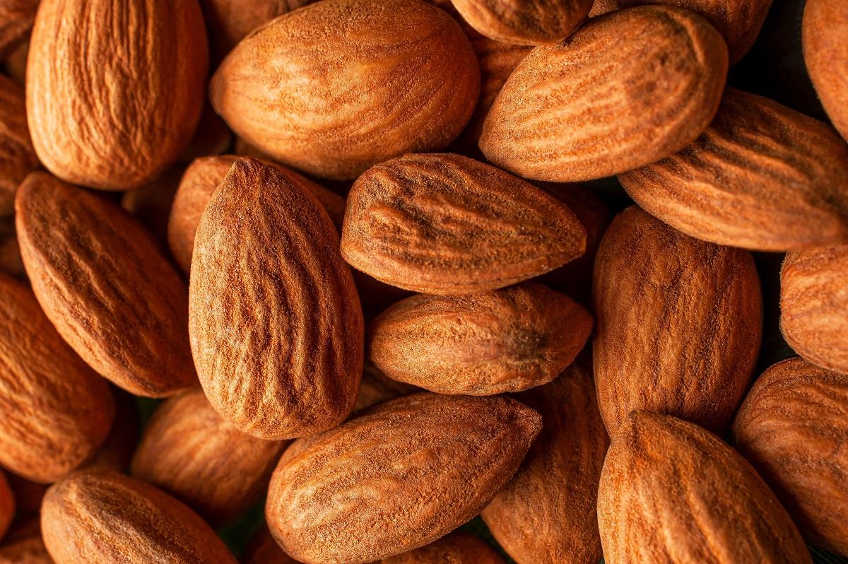 Beauty Benefits of Almond Oil